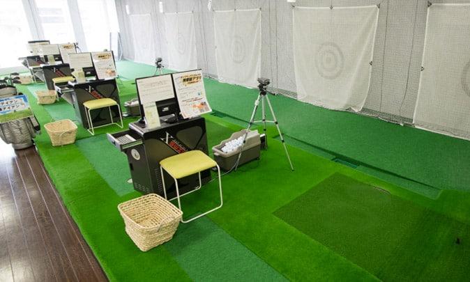 サンクチュアリゴルフのインドア練習場